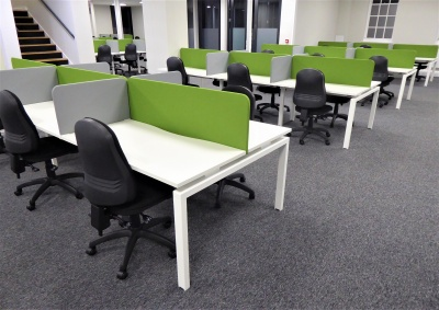 Over 250 Benchdesks … in time for Christmas !
